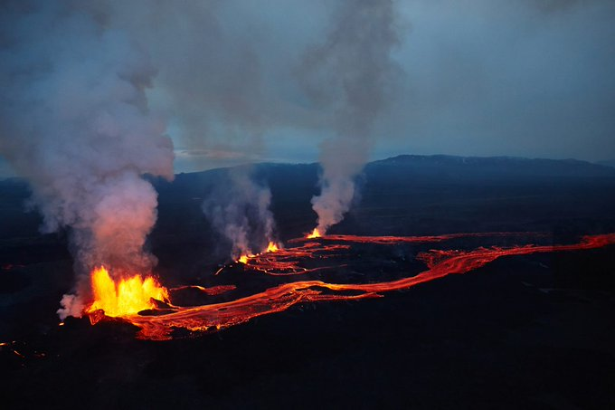 В Исландии впервые за 6 тысяч лет произошло крупное извержение вулкана Фаградалсфьяль