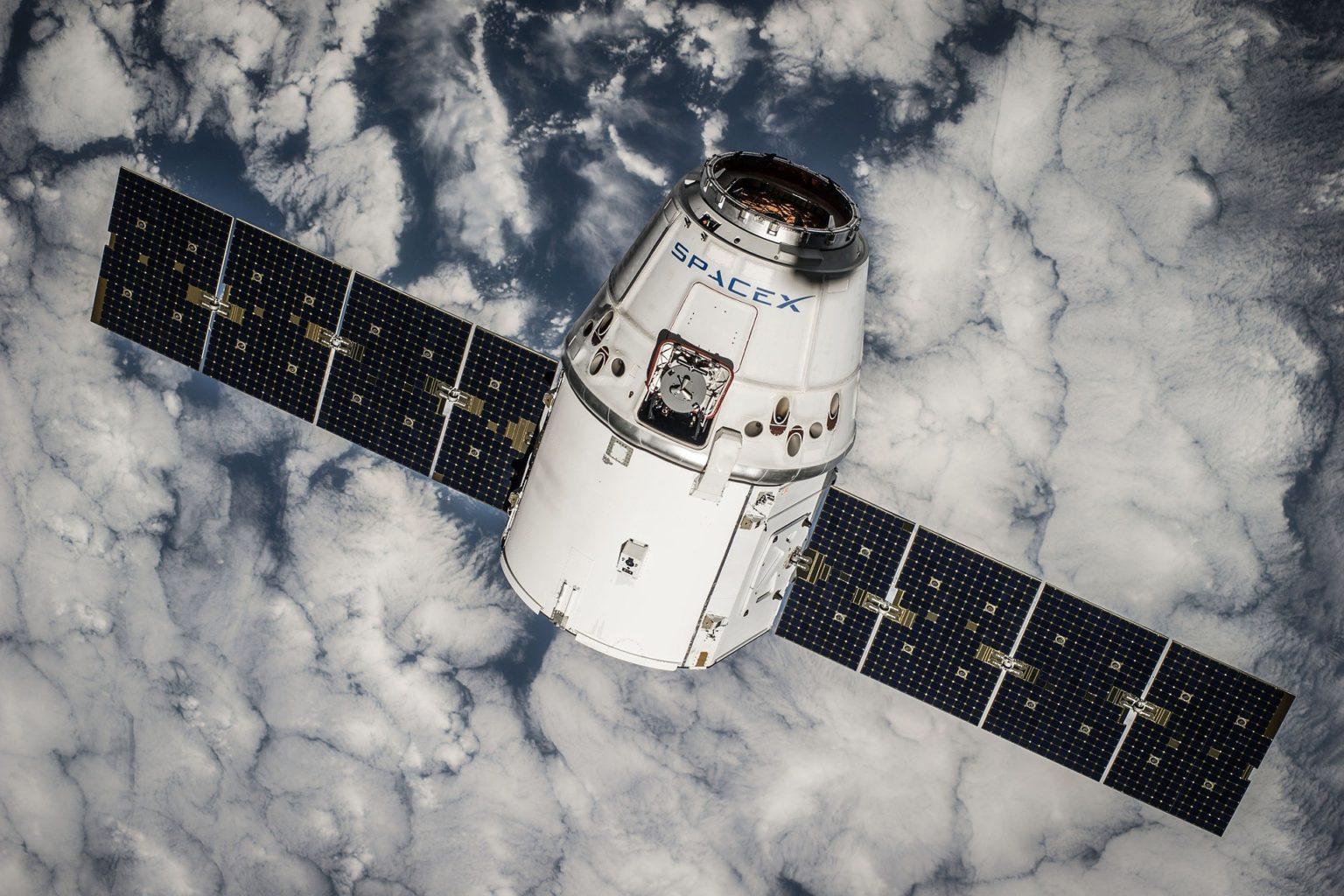 Хотите слетать на Луну? Японский миллиардер оплатит полет 8 добровольцам