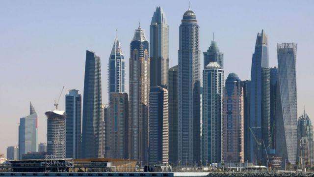 Посадить нельзя помиловать. Что грозит россиянкам за съемку в обнаженном виде на одном из балконов Дубая?