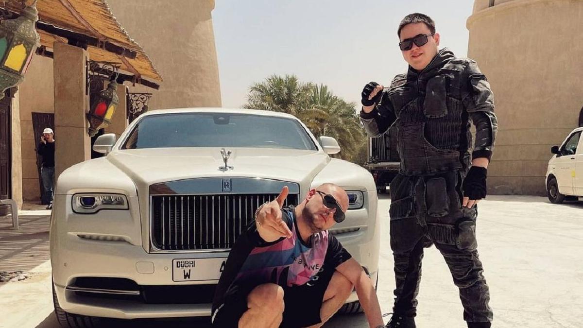 Иманбек заинтриговал подписчиков снимком на фоне роскошного Rolls-Royce за 150 млн тенге