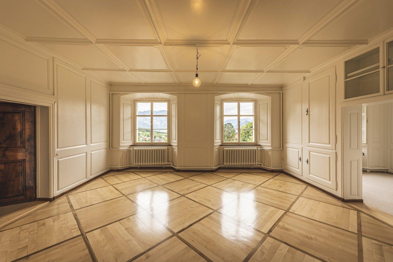 Проблемная недвижимость: у кого не стоит покупать квартиру