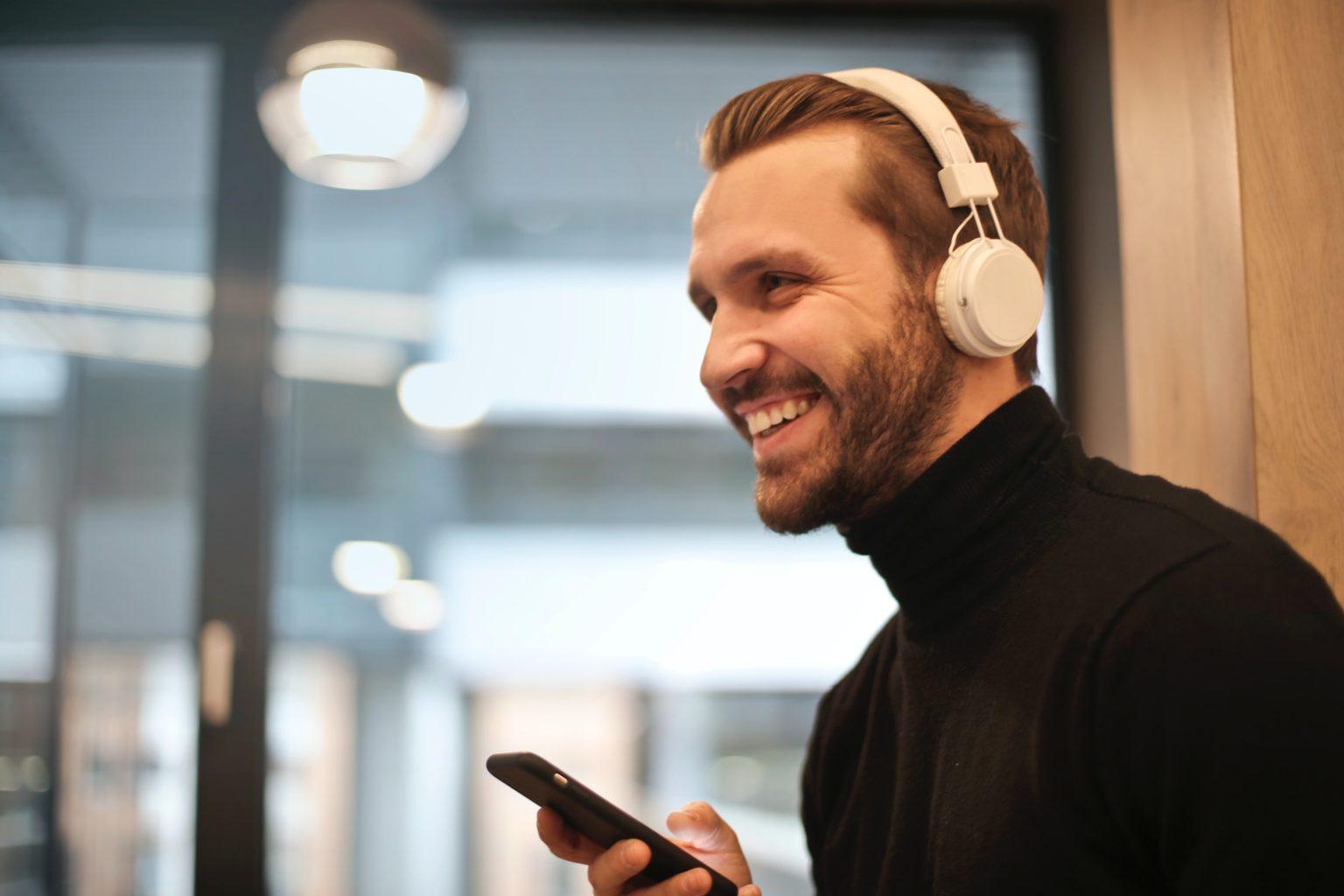 Не просто чтение: 5 аудиокниг, от которых невозможно оторваться