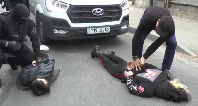 Участников Q-роp группы Mad Men задержали за изготовление и распространение наркотиков