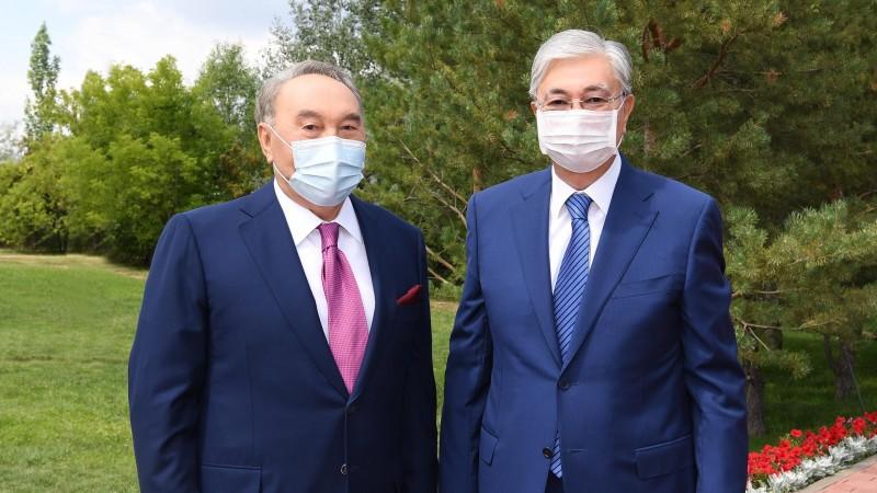 Назарбаев сложил с себя полномочия председателя АНК