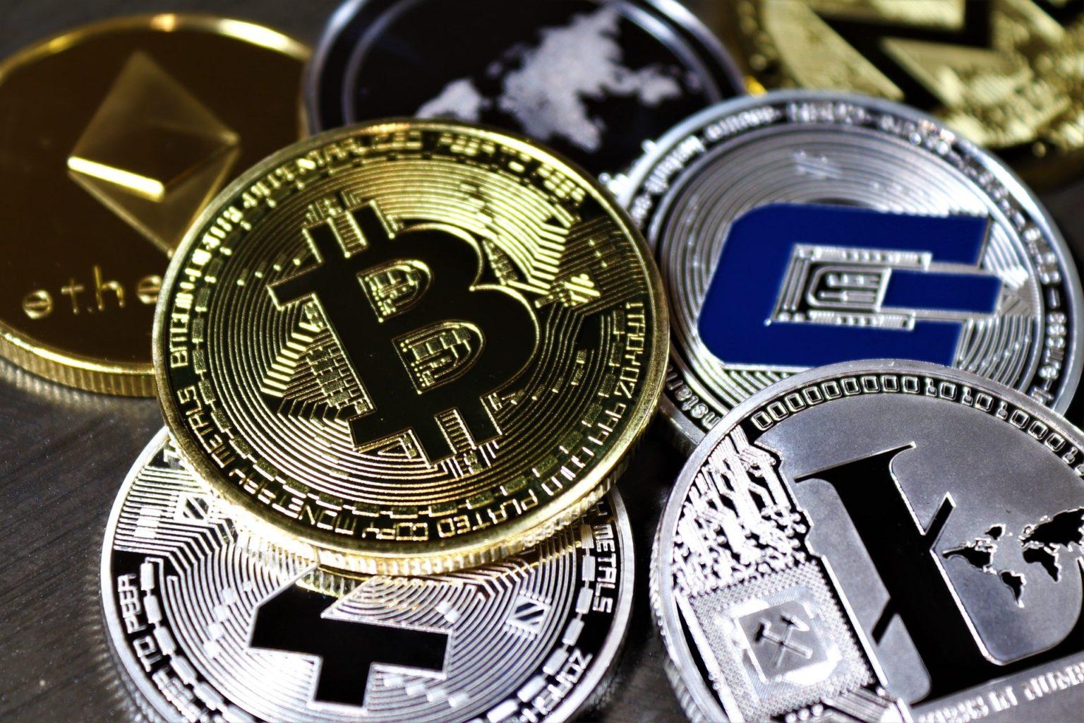 История криптовалюты: как биткоин повлиял на весь мир