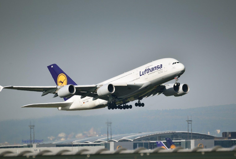 Lufthansa возобновила полеты в Казахстан