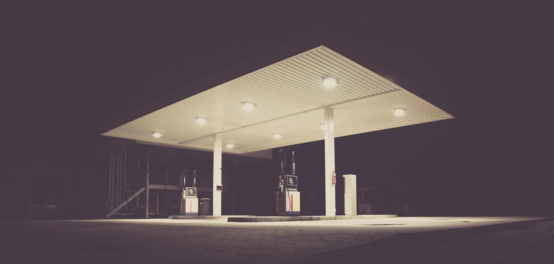 Альтернативы действующей системе ценообразования на бензин нет – Роман Скляр