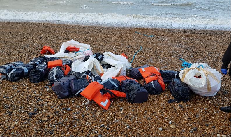 Почти тонну кокаина выбросило на один из британских пляжей