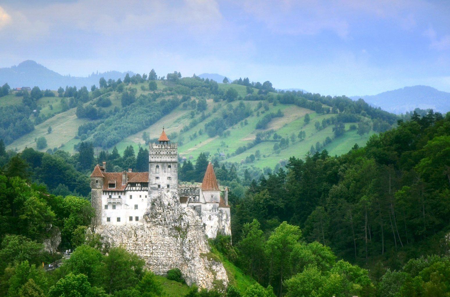Замок Дракулы в Румынии стал центром вакцинации