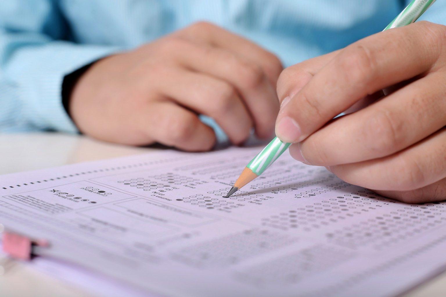 Школьники просят отменить экзамены в 9-х и 11-х классах