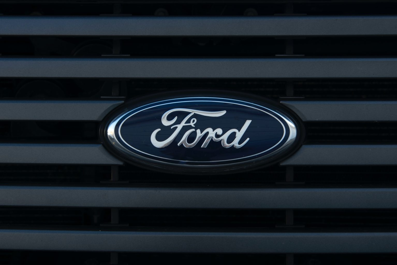 Почему Ford отозвал более 660 000 внедорожников популярной модели