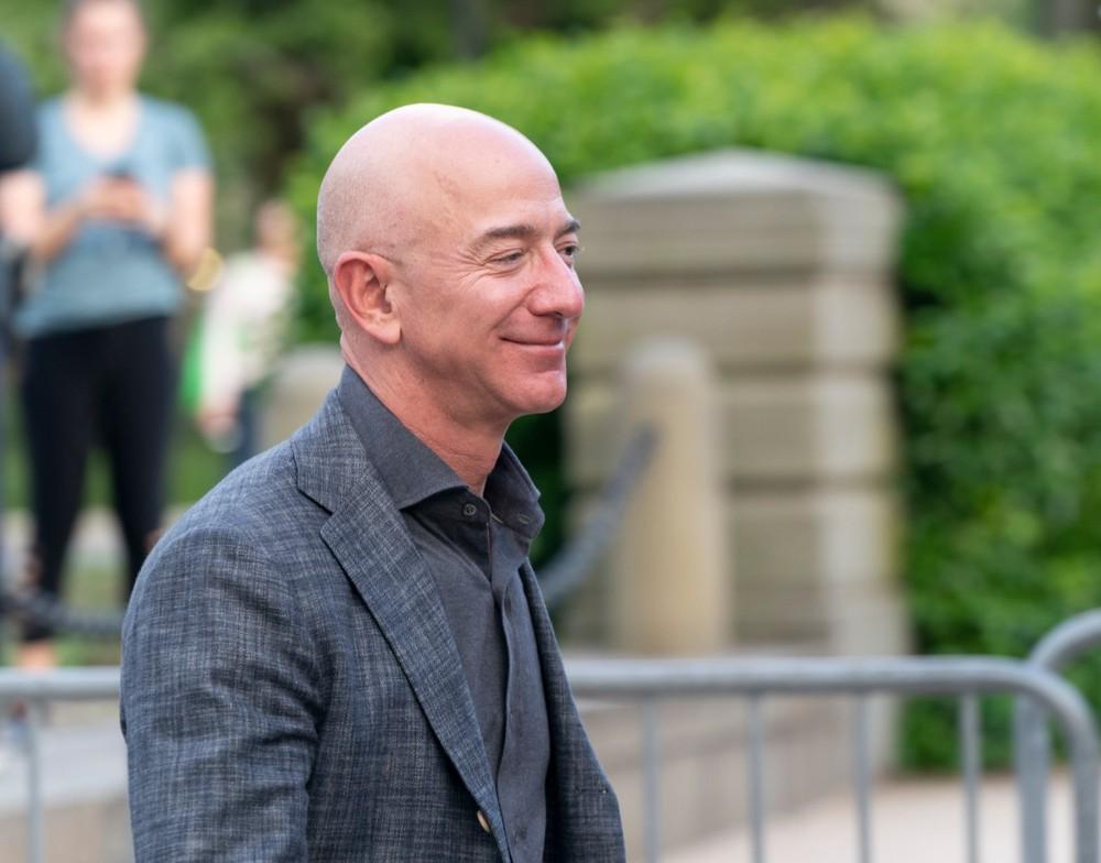 Основатель Amazon Джефф Безос строит себе яхту за 0 млн.