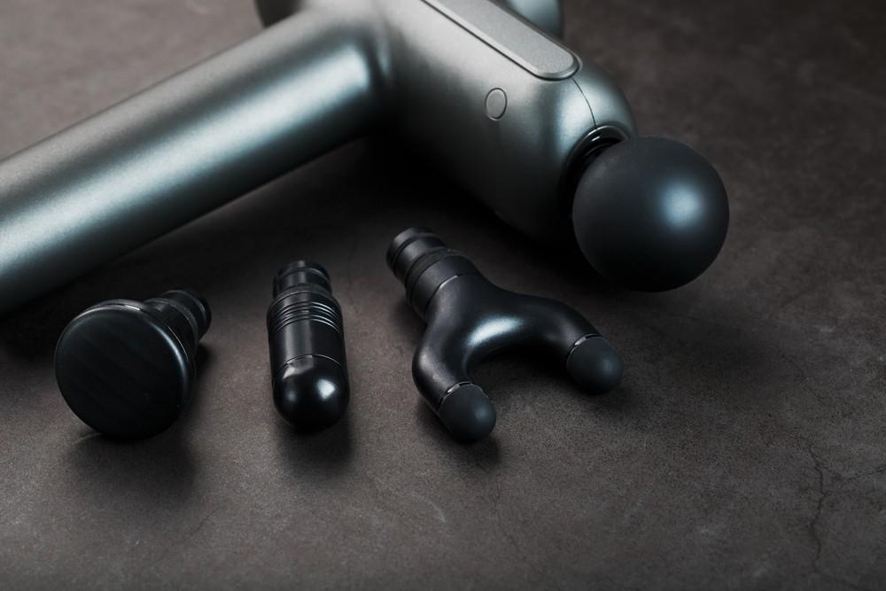 Достать стволы: 6 лучших массажных пистолетов для повышения тонуса мышц
