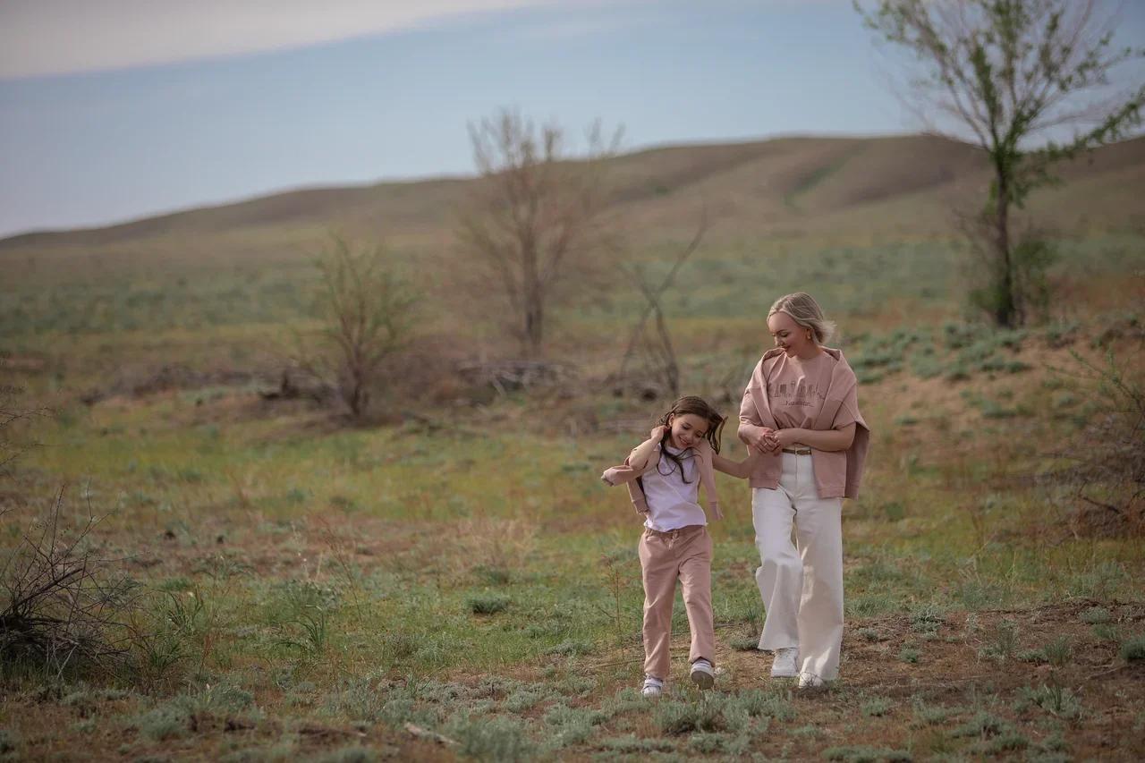 Основатели казахстанского бренда Mimioriki заявили о запуске взрослой и семейной линии одежды