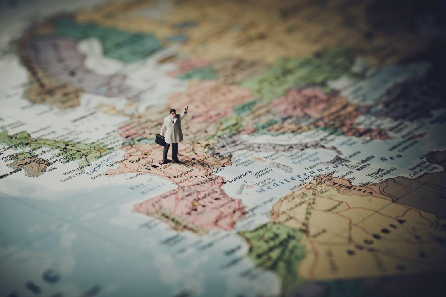 Летний отдых 2021: какие страны ослабляют карантинные ограничения и открывают границы?