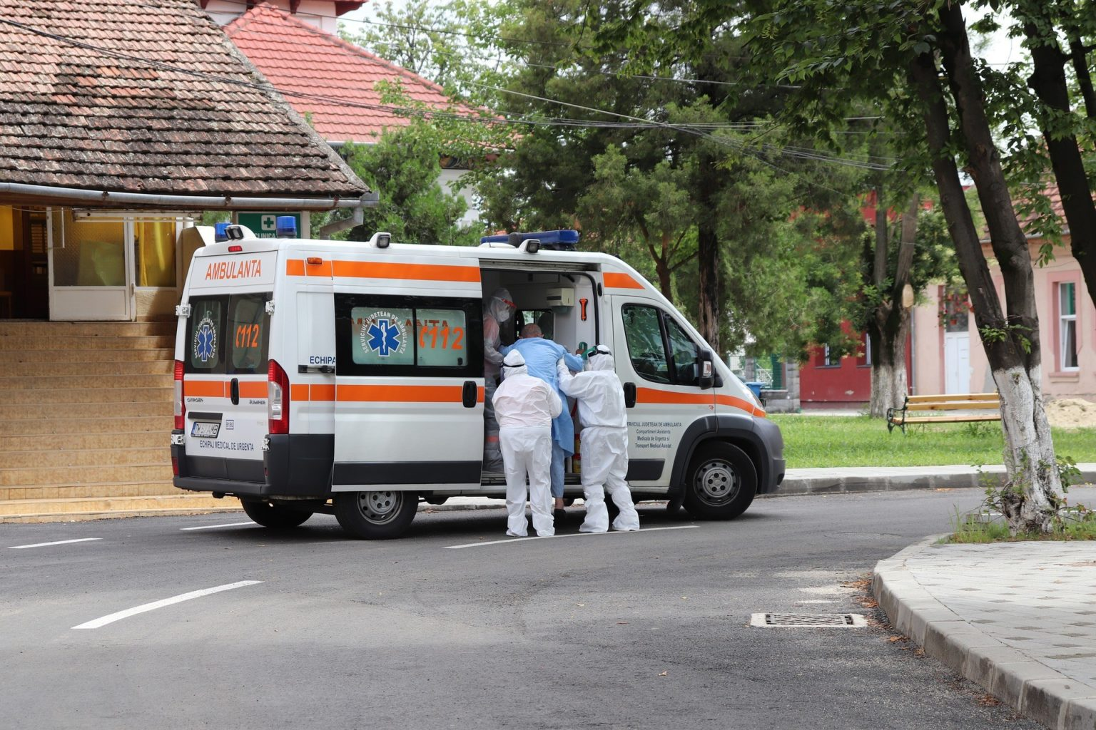 В Казахстане зарегистрировали 6 521 заболевшего COVID-19