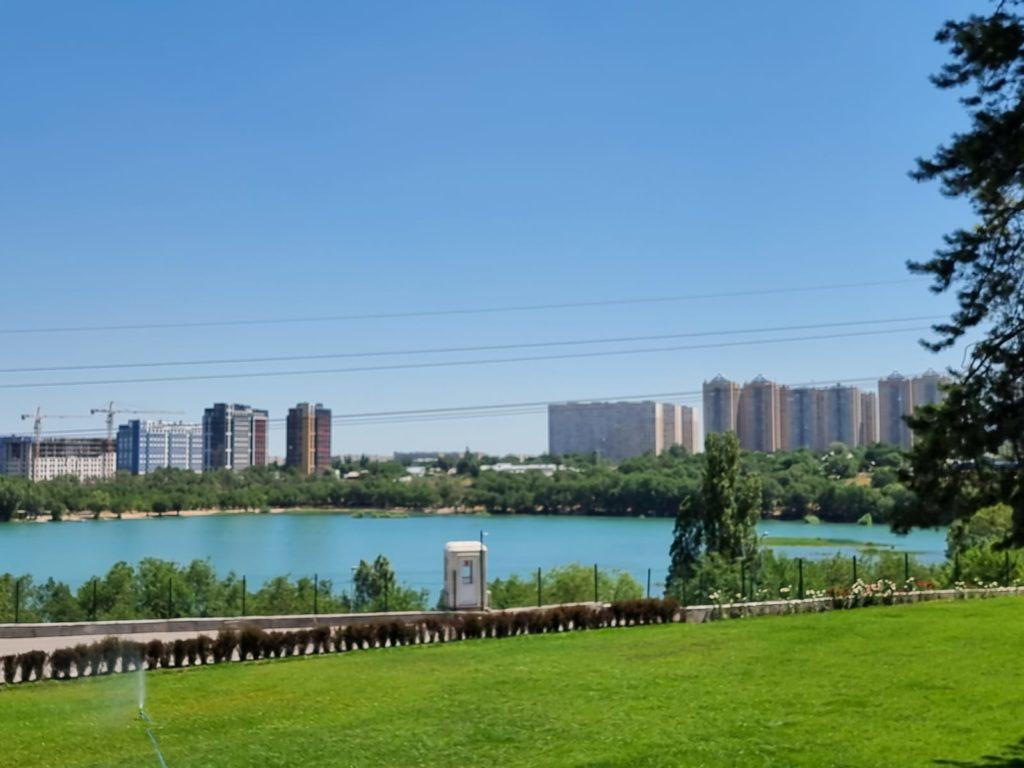 Как провести качественный ребрендинг частной школы? Опыт Lakeview School Almaty