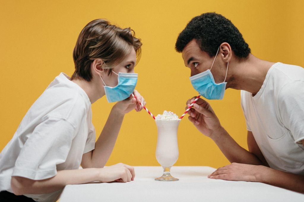 Новые правила секса. Как не заразиться коронавирусом во время близости