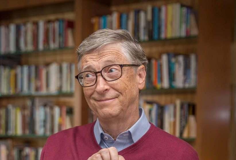 Билл Гейтс опустился на пятое место в списке богатейших людей