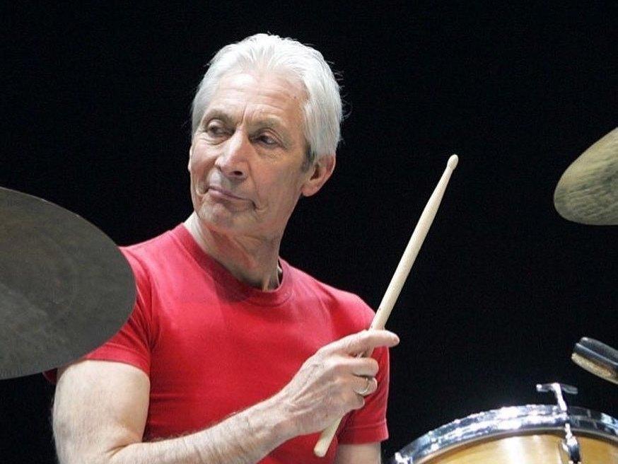 Умер барабанщик Rolling Stones Чарли Уоттс