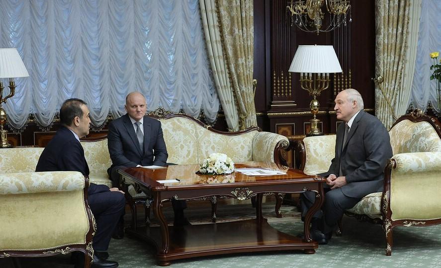 Александр Лукашенко считает, что казахстанцам очень повезло с президентом