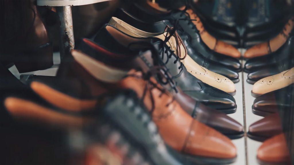 15 из 100 казахстанцев не могут себе позволить хотя бы две пары подходящей зимней и летней обуви